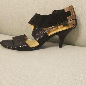 Michael Michael Kors black/gold heels